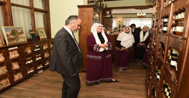 Başkan Aktaş'tan 'Üreten Kadınlara' destek