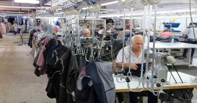 Tekstil Kentinden Afrikaya Takım Elbise