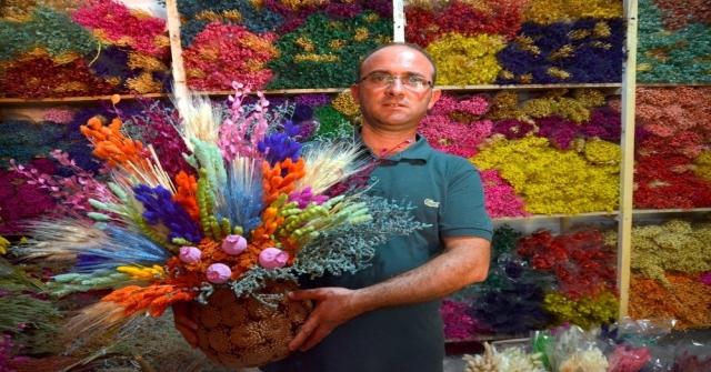 Aksekide Kuru Çiçek Sektörü Yeniden Altın Çağını Yaşamaya Başladı