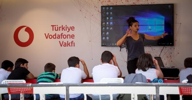 """Vodafone, Erzincanın Köy Ve Kasabalarına """"Kodlama"""" Götürdü"""