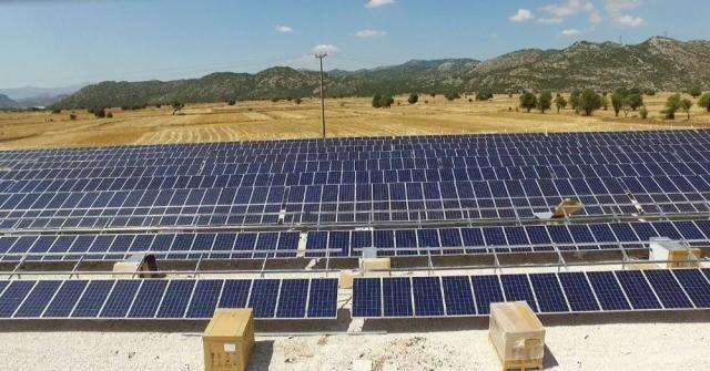Antalyada Çiftçinin Elektriği Güneşten
