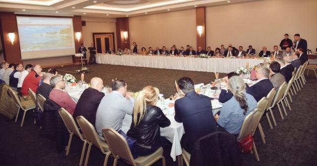 Aydın Valisi Köşger, Ekonomi Gazetecileriyle Kuşadasında Buluştu