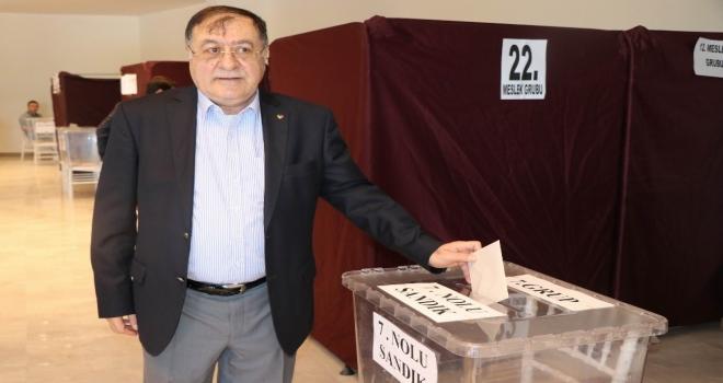 Nevşehir'de Parmaksız 5.'inci kez başkan