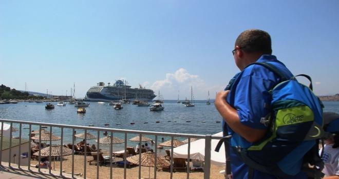 Bodruma İki Gemi Dolusu Turist Geldi