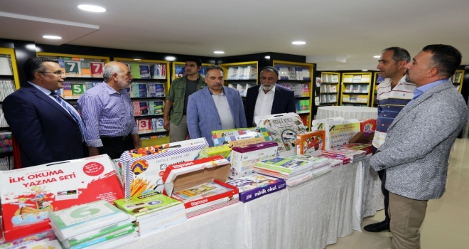 Genel Sekreter Yalçın, Kitapçı Dükkanını Hizmete Açtı