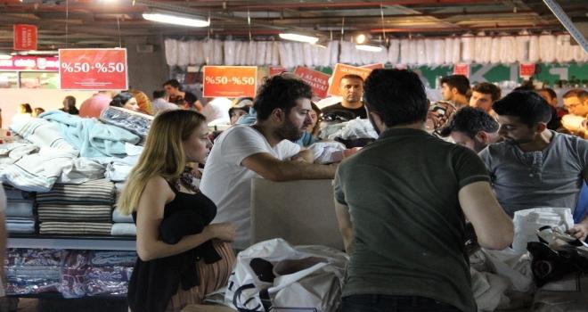 Vatandaşlar 212 Fırsat Garajına Yoğun İlgi Gösterdi