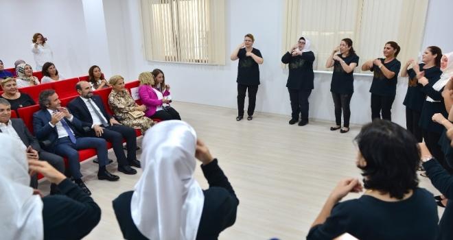 Yeşim Tekstil Çalışanlarına İşaret Dili Eğitimi