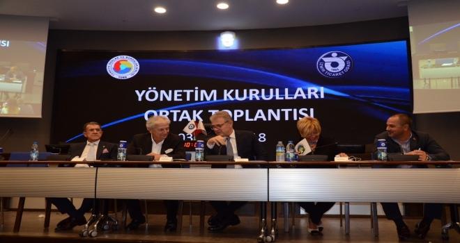 İzmir İş Dünyası Kriz Söylemlerine Karşı El Ele