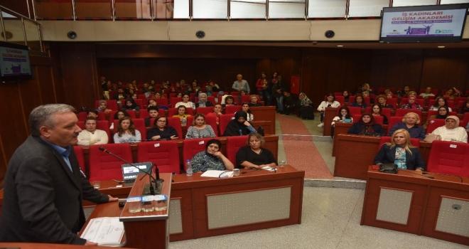 İş Kadınları Gelişim Akademisinin Tanıtımı Tapıldı