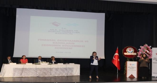 Trabzon İşkur Finansal Okuryazarlık Seminerinde 'İşte Kadın Projesini Tanıttı