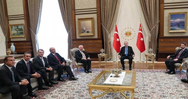 TÜSİAD heyeti  Cumhurbaşkanı Recep Tayyip Erdoğan'ı ziyaret etti